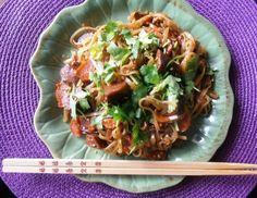Recette seitan caramélisé http://www.madmoizelle.com/recette-nouilles-thailandaises-156126