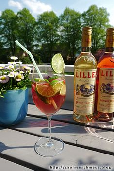 Lillet Wild Berry punch recipes non alcoholic Cocktail Recipes Ginger Beer, Ginger Ale Cocktail, Cranberry Juice Cocktail, Lillet Berry, Alcoholic Punch Recipes, Drink Recipes, Pineapple Lemonade, Vodka, Paintings