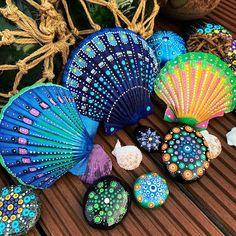 Seashell Painting, Dot Art Painting, Rock Painting Designs, Seashell Art, Seashell Crafts, Stone Painting, Sea Crafts, Rock Crafts, Decor Crafts