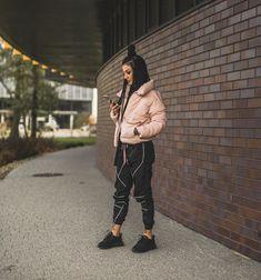 Hulk, Winter Jackets, Youtube, Instagram, Photo Ideas, Fashion, Pump, Winter Coats, Shots Ideas
