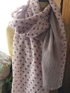 Écharpe longue, rose et pois, foulard, étole. Cheapy93 · Vinted 31e6f11293a