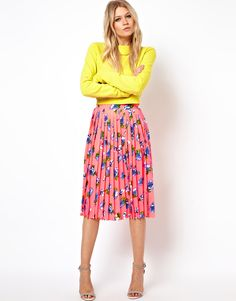 Pleated Midi Skirt in Floral Print
