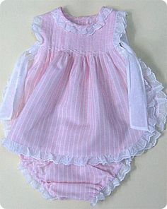 Getting A Tattoo Baby Outfits, Kids Outfits, Frocks For Girls, Dresses Kids Girl, Kids Frocks Design, Baby Dress Design, Lace Booties, Baby Dress Patterns, Girl Sleeves