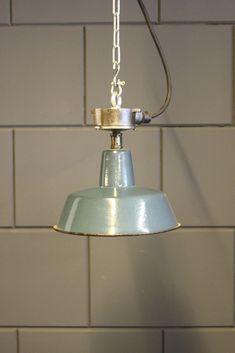 Vintage fabriekslamp - model 28