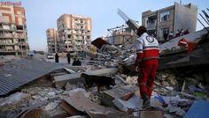 Vídeos mostram destruição após terremoto na fronteira do Irã