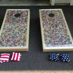 Custom Corn Hole / Baggo Set made from bottle caps. Bottle Cap Table, Beer Bottle Caps, Bottle Cap Art, Beer Caps, Bottle Top Crafts, Bottle Cap Projects, Diy Bottle, Man Cave Bar, Beer Cap Crafts