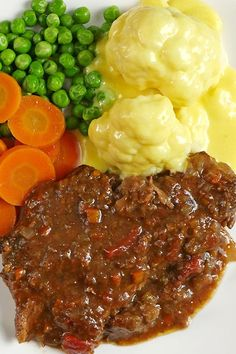 Swiss steak is certainly worth doing in the slow cooker or crock-pot. This slow cooker swiss steak recipe produces delicious tender pieces of meat in a rich flavor-packed sauce. Crockpot Dishes, Crock Pot Slow Cooker, Crock Pot Cooking, Beef Dishes, Crockpot Recipes, Cooking Recipes, Slow Cooker Swiss Steak, Crock Pot Cube Steak, Cooking Steak