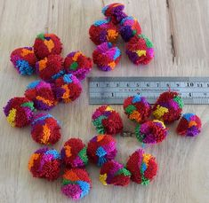 Pom Poms For Sale, Things To Make With Yarn, Pom Pom Crafts, Colorful Decor, Handmade Crafts, Art Supplies, Wedding Decorations, Jewelry Making, Diy Projects