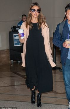 Showing off her fashion credentials: Jessica Alba looked sophisticated in a maxi dress and coordinating, black leather boots as she strolled through LAX airport on Wednesday Black Maxi Outfits, Winter Dress Outfits, Casual Dress Outfits, Fashion Outfits, Black Maxi Dress Outfit Ideas, Dress Winter, Dress Fashion, Fashion Fashion, Jessica Alba Outfit