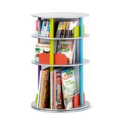 Un espace de rangement très pratique pour CD, DVD et livres. Grâce à son plateau pivotant, l'enfant accède à tous ses livres en un tour de main.