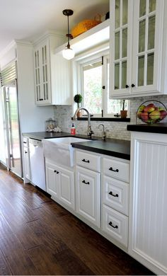 Wood Look Porcelain Tile Floor Design Ideas, Pictures, Remodel and Decor Lemon Kitchen Decor, Farmhouse Kitchen Decor, Kitchen Redo, New Kitchen, Kitchen Remodel, Kitchen Dining, Black Countertops, Kitchen Countertops, Kitchen Cabinets