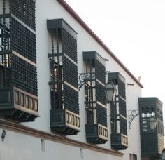 Trujillo Lima, Trujillo Peru, Best Cities, Multi Story Building, Friends, Windows, Drive Way, Souvenirs, Doors