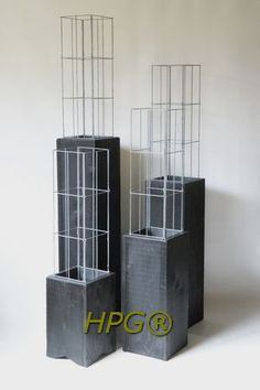 Garden innovations from Holland.  Wooden Plant Colums, A new way of planting Climbing plants in gardens, on balcony and terrasses. by Hivy Pillar Greenfashion.  www.hivypillar.nl