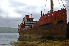 Abandoned Boat In Ocean Rusty hulk of abandoned ship Abandoned Ships, Abandoned Cars, Abandoned Places, Abandoned Vehicles, Hulk, Creepy Houses, Fishing Vessel, Ghost Ship, Old Boats