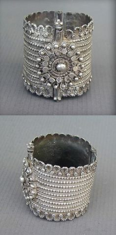 Northern Yemen | Old silver Bedouin hinged bracelet. Beautiful granulation and appliqués workmanship representing the renowned art of the Yemeni Jewish silversmiths. Excellent alloy of silver