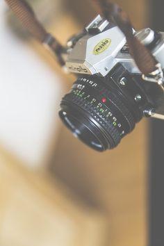 Submission by Markus Spiske raumrot.com. Check out Markus Spiske's profile: https://www.pexels.com/u/markusspiske/ #camera #lens #classic