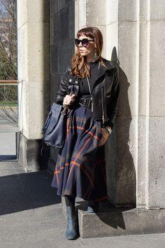 Inspirowany modą wiktoriańską look, skórzana ramoneska i botki ze ściętym czubkiem Escada, michael kors hamilton, chwosty, spódnica w kratę. beautiful victorian style inspired outfit.