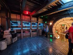 The Millennium Falcon is docked at the Black Spire Outpost on Batuu in Star Wars: Galaxy's Edge and she's looking for a flight crew to help pilot her on a new adventure on the new Mille… Star Wars Boba Fett, Star Wars Darth, Lego Star Wars, Darth Maul, Star Trek, Star Wars Room, Star Tours, Star Wars Outfits, Star Wars Girls