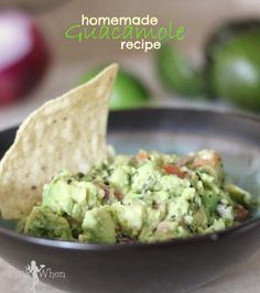 Homemade Guacamole Recipe perfect for Cinco De Mayo! | PinkWhen.com