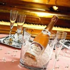 Снимка Just You And Me, Name Day, Juice Drinks, Happy New Year, Champagne, Food And Drink, Happy Birthday, Bottle, Blog