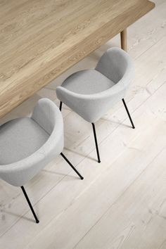 In Verve, a circular top compounds with a semi-rectangular base to form a sinuous shape with remarkable sculptural qualities. Danish Furniture, Furniture Design, Counter Bar Stools, Outdoor Dining Chairs, Leather Furniture, Home Office Design, Furniture Companies, Chair And Ottoman, Scandinavian Interior