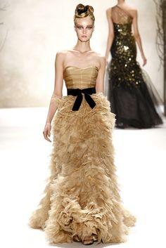 Monique Lhuillier Fall 2011 Ready-to-Wear Fashion Show - Kristy Kaurova