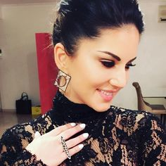 Sunny Leone (sunnyleone): White and black diamonds by thank you so much for making me feel so pretty :) Bollywood Fashion, Bollywood Actress, Power Star, India Beauty, Latest Pics, Sunnies, Instagram Images, Hoop Earrings, Celebs