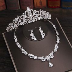 Pearl Bridal Jewelry Sets, Classic Bridal Jewellery, Wedding Jewelry Sets, Wedding Necklaces, Bridal Necklace, Dubai Gold Jewelry, Prom Jewelry, Beaded Jewelry, Jewelery