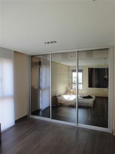 Puertas correderas de cristal reflex. Divider, Room, Furniture, Home Decor, Renovation, Models, Small Bedrooms, Wardrobes, Hacks