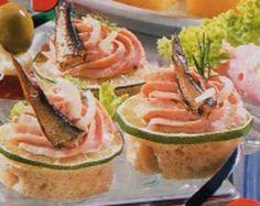Kanapky s rybí pěnou a Krekry s kaviárem / Caviar crackers Fish And Seafood, Watermelon, Dips, Salads, Appetizers, Snacks, Fruit, Sauces, Appetizer