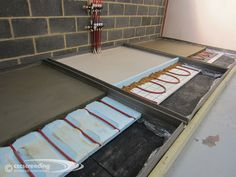 Testing underfloor heating and different types of screed