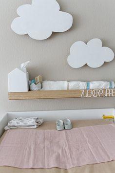 Carlottas Babyzimmer Fotos: Julia Löffler Babyroom, Girl, Grey, White, Wood, Natural, Clouds