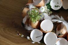Ania mama Agnieszki: Wielkanocny wianek ze skorupek
