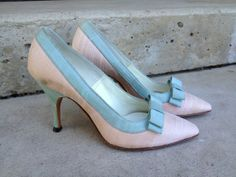 Vintage 60s shoes Pink pumps with blue bows Size 4 by ionascloset, $54.00
