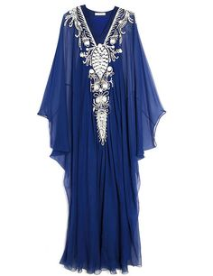 Curated Collection: The Caftan Resort 2016 Look 20 on Moda Kaftan Style, Caftan Dress, Beautiful Gowns, Beautiful Outfits, Abaya Fashion, Fashion Dresses, Fairy Clothes, Moroccan Dress, Indian Outfits
