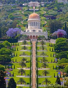 The Terraces of the Bahá'í Faith, also known as the Hanging Gardens of Haifa, are garden terraces around the Shrine of the Báb on Mount Carmel in Haifa, Israel. Along with the Baha'i Holy Places in Western Galilee, it is a UNESCO World Heritage Site. Beautiful World, Beautiful Gardens, Beautiful Places, Amazing Places, Places To Travel, Places To See, Places Around The World, Around The Worlds, Terra Santa