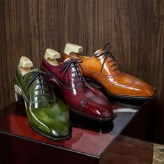 """#Repost from @yoheifukudashoemaker  We are honored to be a part of """"The Master Series"""" project. The shoes are displayed at @laterrewinesg in Sigapore. The patina for each shoe is created based on the shoe's design and style. Each shoe is crafted with a wine or spirit in mind. Beautiful Patina is done by @masonandsmith  #yoheifukuda #Masterseries #MTO #patina #shoes #wine #whisky #leaf #madeinjapan #tokyo #japan"""