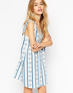 ASOS+Reclaimed+Vintage+Shift+Dress+With+Scoop+Back+In+Stripe+Seashell+Print