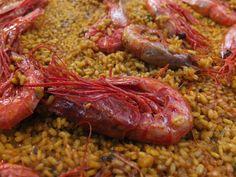 El carabinero, carabiner o gambot no es una especie común en el mediterraneo y por tanto no existen platos tradicionales en Valencia. Sin embargo su fuerte caracter y sabor lo hacen ideal para su ...