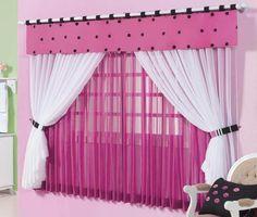 cortina rosa con blanco