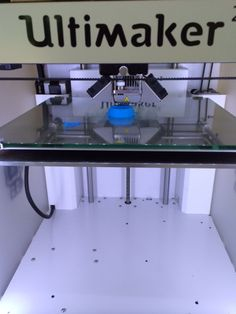 Getting ready for #WorldMakerFaire w/ 10 minute #businesscardstands made in #Morphi #ultimaker