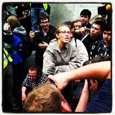 Kseniya Sobchak at Chistye Prudy talking to protesters http://mn.ru/society_civil/20120508/317544961.html