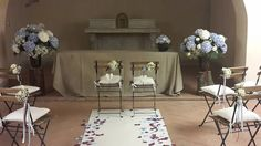 Along the aisle decoration with blue hydrangea. Flower décor, wedding ceremony flowers, wedding flowers