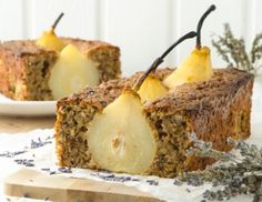 Birnenkuchen mit Lavendel Pear Cake, Cookie Pie, Caramel Apples, Yummy Cakes, Baked Goods, Cake Recipes, Sweets, Baking, Fruit