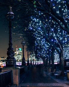 Quiet walks along the #SouthBank. #HappyDays.  @daveburt // #thisislondon #christmasinlondon by london