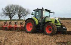 Трактор Claas Arion в работе. Видео