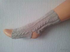 Yoga Socken handgestrickt, Zopfmuster, Naturfaser, vegan, Baumwolle Leinen von LiMariann auf Etsy