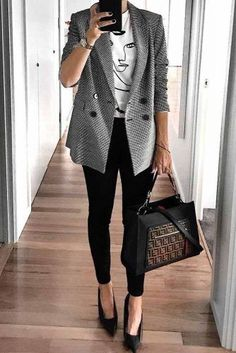 57 Fashionable Work Outfits To Achieve A Career Girl Image . Read more The post 57 Fashionable Work Outfits To Achieve A Career Girl Image appeared first on How To Be Trendy. Spring Work Outfits, Casual Work Outfits, Mode Outfits, Work Attire, Work Casual, Fashion Outfits, Woman Outfits, Office Attire, Winter Work Outfits