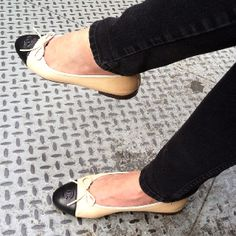 Chanel black and camel flat.the original ballet flat. My absolute fav. Been wearing it for 35 years. Crazy Shoes, Me Too Shoes, Fashion Shoes, Fashion Accessories, Chanel Flats, Shoe Closet, Shoe Boots, Personal Style, Footwear