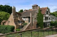 Century - Wings Place - East Sussex, England - Old House Dreams Anne Of Cleves House, Colonial, Art Nouveau, Brick Steps, English Manor Houses, English Cottages, Castles In England, Tudor House, Interesting Buildings